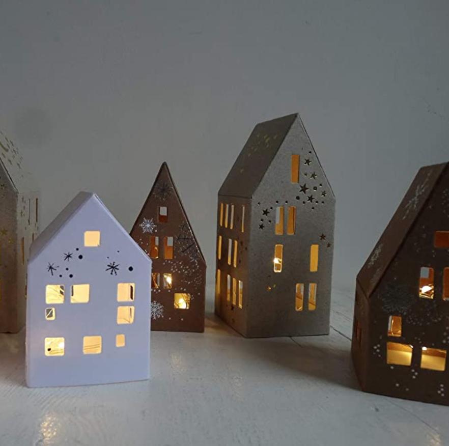 Kleine Winter Lichthäuser