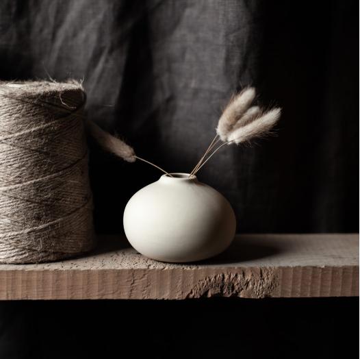 Källa vase small, beige rund