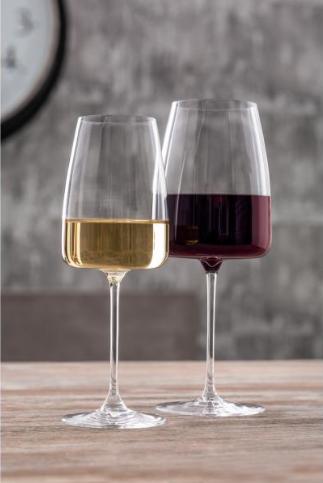 Eckiges Weißwein-Glas