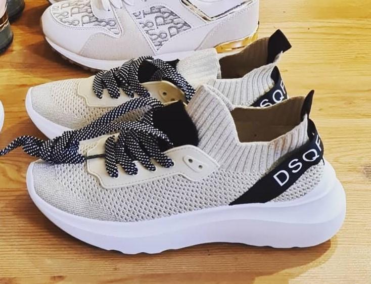 Sneaker (Gr. 37)